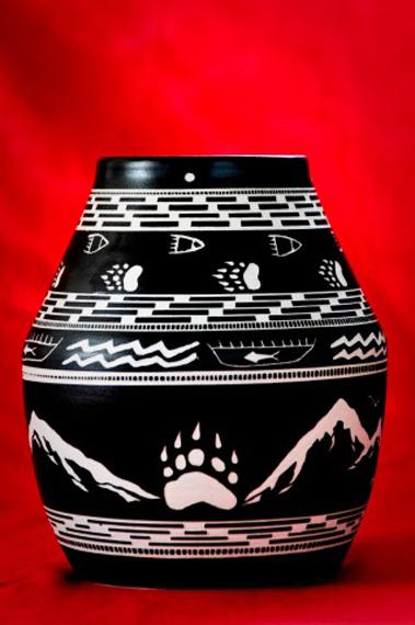 Bear Paw Pot